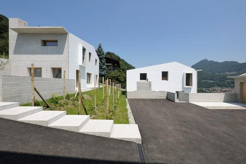 Cinque case unifamiliari nel canton ticino attanasio for Case architettura